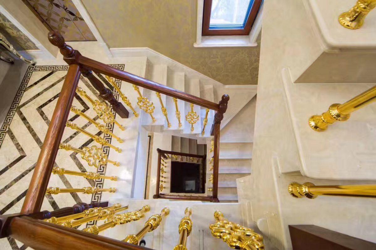米洛西米黄楼梯